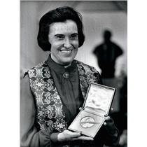 1977 Press Photo Rosalyn Yalow New York Nobel Prize Distribution Medicine