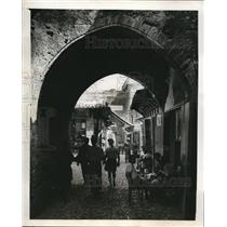 1948 Press Photo Typical Street in the Walled City of Rhodes - Architecture