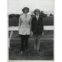 1934 Press Photo Misses Wrightson and Brewster on Monmouth Country Horse Show