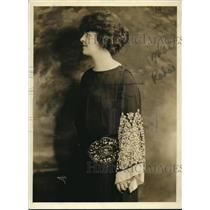 1923 Press Photo Ms. Edith Bennett, young American soprano - nex52741