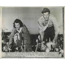 1945 Press Photo Mrs. Valie Wilson and Bill Adams winners of the National Cotton