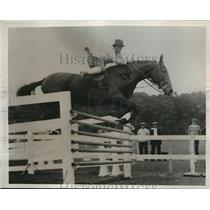 1933 Press Photo Emily Bromley in the championship of the Wissahickon Farm Show