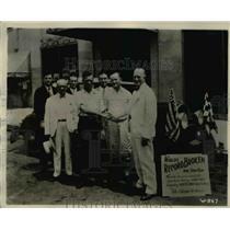 "1930 Press Photo E.W. ""Happy"" Gardner, W.N. Fiegel, Automobile Endurance Record"