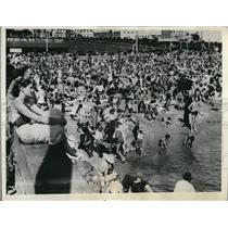 1936 Press Photo Australians enjoying a torrid mid-summer sun and sun bathing