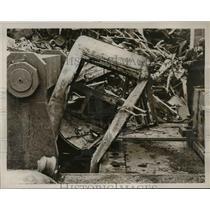 "1937 Press Photo ""Big Benny"" Mechanical Junkyard Car Smashing Machine, New York"