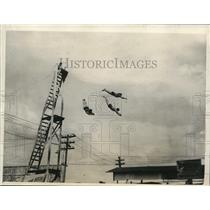 1925 Press Photo trio synchronized divers leap from platform Tampa, FL