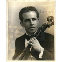 1941 Press Photo Gordon Hartshorn artist and musician - orp19533