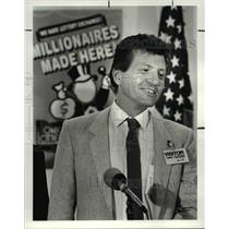 1987 Press Photo Ronald Mahdinec winner of $15 million in Lottery