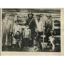 1930 Press Photo Typical family of Tanna Tuwa Mongololian natives
