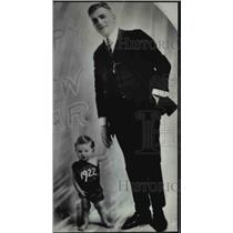 1940 Press Photo Don Castle and Mickey Rooney as a baby in 1922 - orp23236
