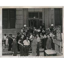 1938 Press Photo Visitors at Polyclinic Hospital to see Max Sch,eling