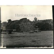 1934 Press Photo Hundreds Hay Bales, Clover, Alfalfa, Soybeans