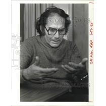 1985 Press Photo Adelfo Perez Esquivel, architect, sculptor, university