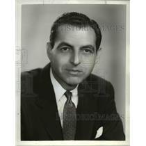 1960 Press Photo CBS News Correspondent Stuart Novins - orp23047
