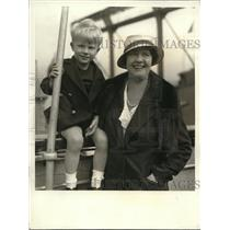 1933 Press Photo Mrs. Sinclaire Lewis with her son, Michael