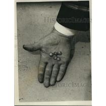1926 Press Photo Pele pearls made from from Hawaiian volcanic material