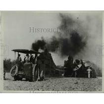 1934 Press Photo Threshing Wheat - nee00326