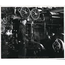 1947 Press Photo American Steel & Wire Company triple tandom rolling machine