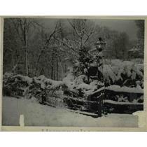 1947 Press Photo Winter snows in a yard in Columbus Ohio - nee03091