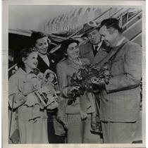 1951 Press Photo Mrs. Julia Ranezay Receives Flowers From Mayor W.H. Pierce