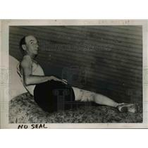 1937 Press Photo Oscar Kay who was flogged by Louise Willis after being tied up.