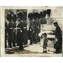 1922 Press Photo Master Allan Ramsay age 2 & Princess Pat - nee05315