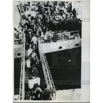 1962 Press Photo Marseilles, France Algerian refugees