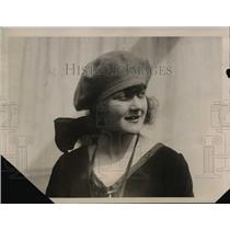 1922 Press Photo Vera Petrovitch Wears Medal of Bravery on S.S. Conte Russo