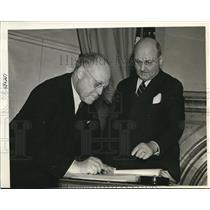 1939 Press Photo Judge James F Barrett Deputy Sec of State James Kelly New York