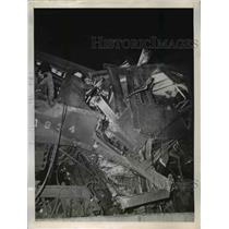 1945 Press Photo Newark, NJ Train wreckage - nee03336