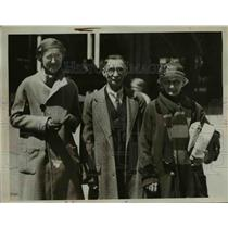 1934 Press Photo Mr.& Mrs. Andrew Hoefflen & Daughter Lilian at Walnut School