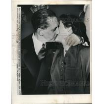 1950 Press Photo Manchester NH Dr Hermann Sander & wife at trail - nee02128