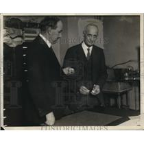 1931 Press Photo Dr.Simon Flexner in laboratory at Rockerfeller Institute
