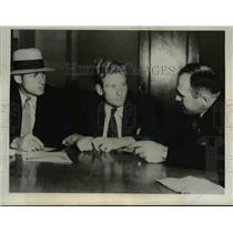 1931 Press Photo Bruton J. McKinnell questioned in double murder