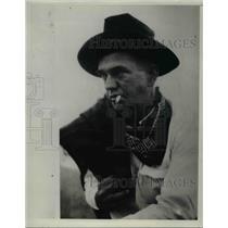 1934 Press Photo Cowboy Adventurer Oscar Merridew Pound - nee05977
