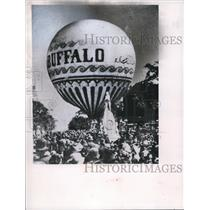 1962 Press Photo Prof King's balloon to ascend from Public Square