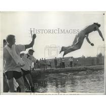 1935 Press Photo Coxsweain Reginald Watt at Long Beach Calif crew race