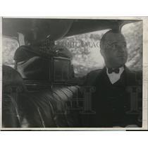 1924 Press Photo Dan J. Nee, pilot of the map making car Wayrarer IV
