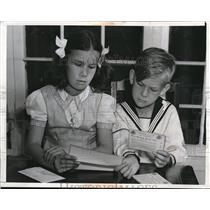 1942 Press Photo C & J Mercer Send Sugar Ration Books to President Los Angeles