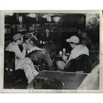 1951 Press Photo Newsmen on a train at a Seoul Korea RR yard after bombing