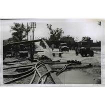 1954 Press Photo Hoses Pump Flood Water, Lahore Pakistan