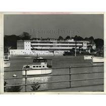 1942 Press Photo Floating Hotel reaches Washington from Florida - nee06385