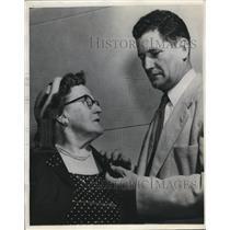 1954 Press Photo Sioux Falls SD Mrs Vincent Whalenm Brig Gen Joe Foss Red Cross