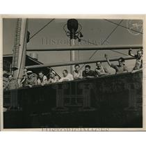 1939 Vintage Photo crew Arauca wave Ft Lauderdale after escaping Orion