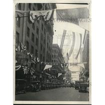 1928 Press Photo Typical street scene along side of Hotel Baltimore