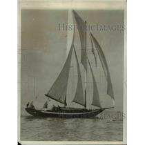 1927 Press Photo Winner of Annual Los Angeles Yacht Race, Ocean Waif - nee15166