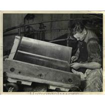 1936 Press Photo A section of the guide bearing of a generator turbine