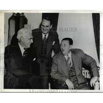 1942 Press Photo Paul V McNutt First war conference of New England Council