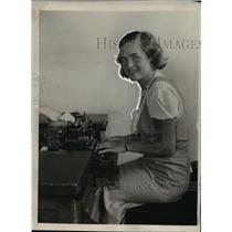 1932 Press Photo Hertha Zwerge is Modern Girl from Innsbruck