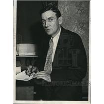 1932 Press Photo James E Stewart agent of US Senate Banking Comm  - nee13922